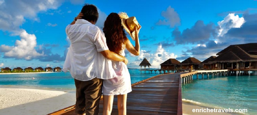Honeymoon_Maldives_couple