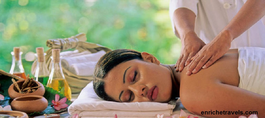 Ayurveda_Shoulder_massage