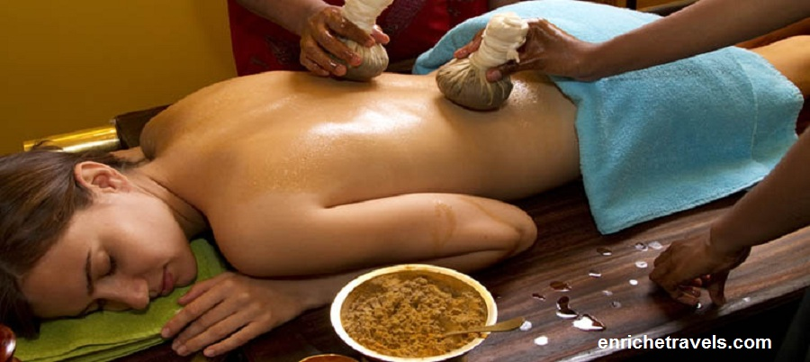 Ayurveda_traditional_oil_back_massage-2