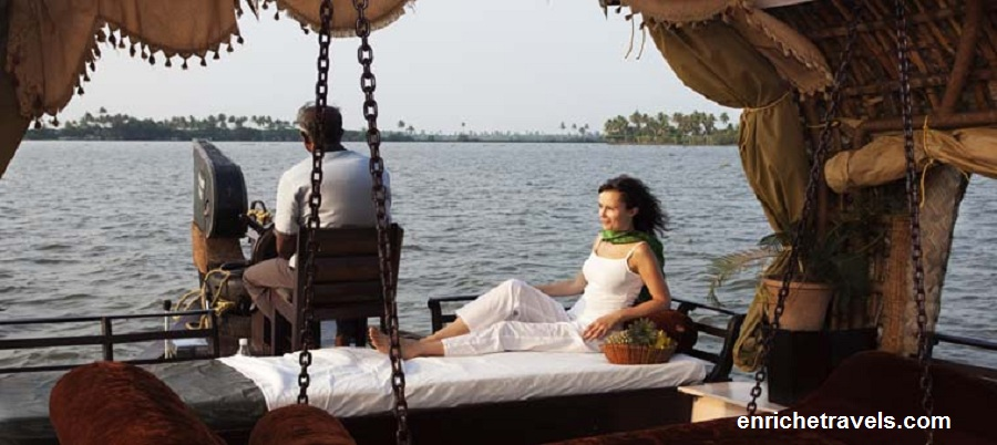 Kerala_houseboat_tour