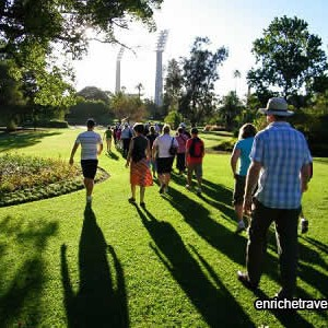 join-a-walking-tour-of-perth